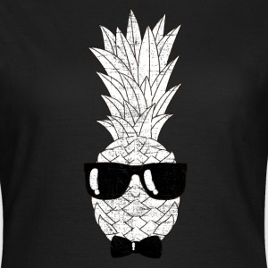 Pineapple With Sunglasses & Bow Tie Illustration Magliette - Maglietta da donna