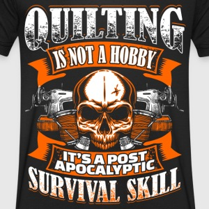 Quilting Is Not A Hobby - Quilting - EN T-shirts - T-shirt med v-ringning herr