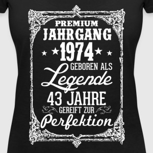 43-1974-legend - perfection - 2017 - DE T-Shirts - Women's V-Neck T-Shirt