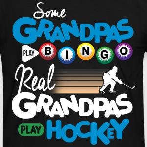 Real Grandpas Play Hockey T-Shirts - Männer Kontrast-T-Shirt
