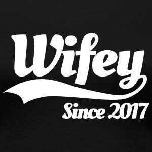 Wifey since 2017 (couples) T-skjorter - Premium T-skjorte for kvinner