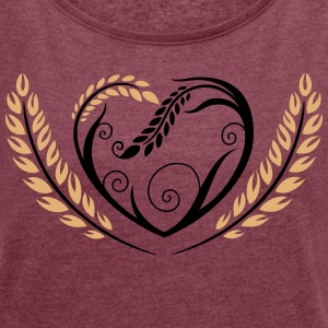 Big heart with cereals. Beautiful bakery motif. T-Shirts - Women's T-shirt with rolled up sleeves