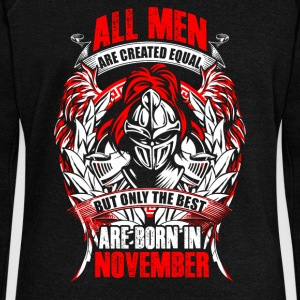 November - All men are created equal - EN Felpe - Felpa con scollo a barca da donna, marca Bella