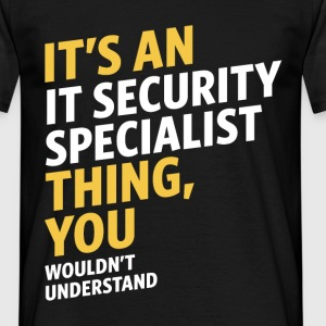 IT Security Specialist - Men's T-Shirt