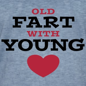 Old Fart With Young Heart T-Shirts - Männer Vintage T-Shirt