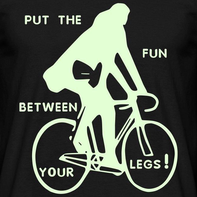 basic-schwarz-glow-in-the-dark: put the fun between your legs