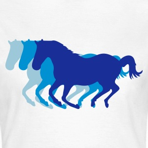 White Three horses at a gallop - Horse riding - dressage horses riding horse race Women's T-Shirts - Women's T-Shirt