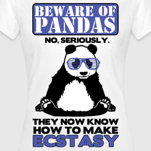 Beware of Pandas - Frauen T-Shirt