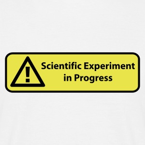 Sandbeige Scientific experiment in progress T-shirts - T-shirt herr