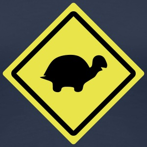 turtle roadsign T-Shirts - Frauen Premium T-Shirt