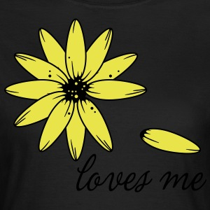 Loves me, loves me not T-Shirts - Frauen T-Shirt