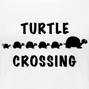 Turtle Crossing - Frauen Premium T-Shirt