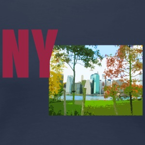New York skyline behind trees - Women's Premium T-Shirt