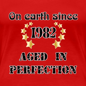 on earth since 1982 Camisetas - Camiseta premium mujer