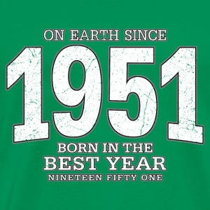 On Earth since 1951 (white oldstyle) - Männer Premium T-Shirt