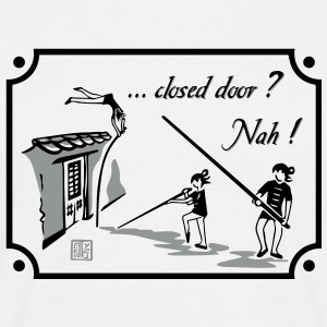 closed door T-Shirts - Männer T-Shirt