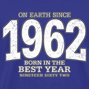 On Earth since 1962 (white oldstyle) - Männer Premium T-Shirt