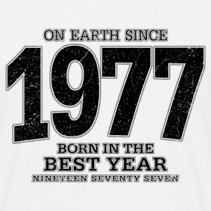 On Earth since 1977 (black oldstyle) - Männer T-Shirt