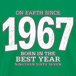 On Earth since 1967 (white oldstyle) - Männer Premium T-Shirt
