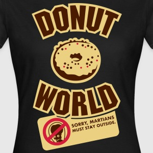 Donut World, dreifarbig T-Shirts - Frauen T-Shirt