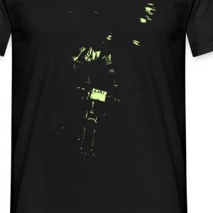 night rider 160bpm.co.uk - Men's T-Shirt