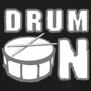 drum_on_a_2c Tee shirts - T-shirt Homme