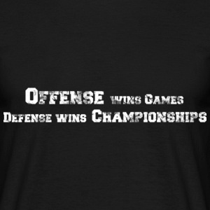 Offense vs. Defense (used look) T-Shirts - Männer T-Shirt
