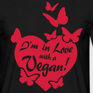I'm in Love with a Vegan! - butterflies T-Shirts - Männer T-Shirt