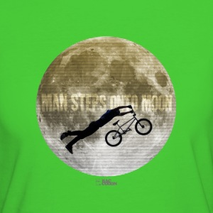 Man steps onto moon P T-Shirts - Frauen Bio-T-Shirt