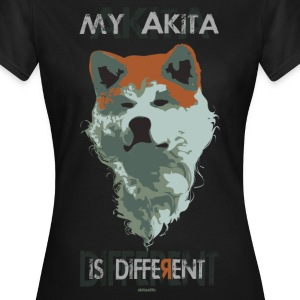 akita different color T-shirt - Maglietta da donna