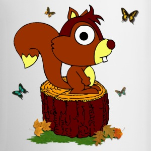 Nice squirrel on a trunk - Cup - Mok