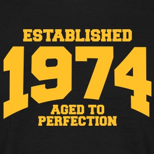 aged to perfection Geburtstag - established 1974 ( - Männer T-Shirt