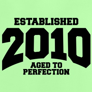 aged to perfection established 2010 (sv) Babytröjor - Baby-T-shirt