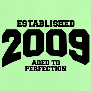 aged to perfection established 2009 (no) Babyskjorter - Baby-T-skjorte