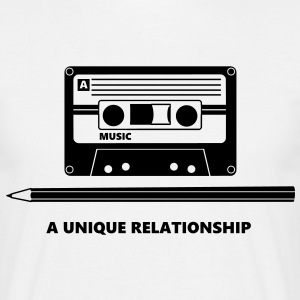 Kassette Stift Tape Pencil Relationship T-shirts - Mannen T-shirt