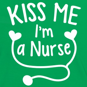 KISS ME I'm a NURSE with a love heart stethoscope  T-Shirts - Women's Ringer T-Shirt