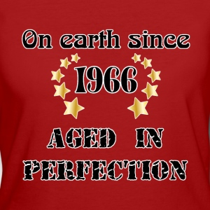 on earth since 1966 T-Shirts - Frauen Bio-T-Shirt