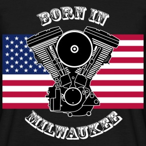 born_in_milwaukee_3_whitety T-Shirts - Männer T-Shirt