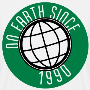 Birthday Design - On Earth since 1990 (sv) T-shirts - T-shirt herr