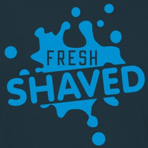 fresh shaved | frisch rasiert T-Shirts - Mannen T-shirt