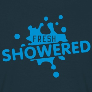 fresh showered | frisch geduscht T-Shirts - Men's T-Shirt