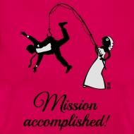 Mission accomplished – Mann gefischt! Junggesellinnenabschied T-Shirt für die Braut