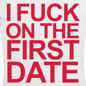 Weiß/rot i fuck on the first date T-Shirts - Frauen Kontrast-T-Shirt