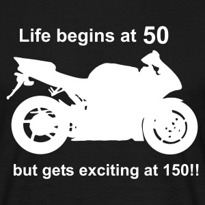Life begins at 50 T-Shirts - Männer T-Shirt