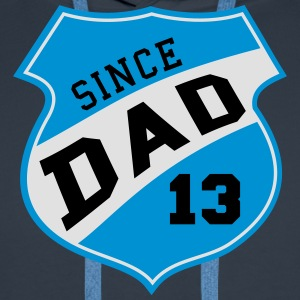 DAD SINCE 2013 Shield Design 3C T-Shirt SK - Premium hettegenser for menn