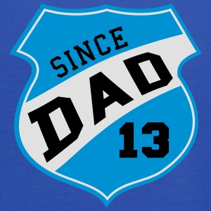 DAD SINCE 2013 Shield Design 3C T-Shirt SK - Débardeur Femme marque Bella