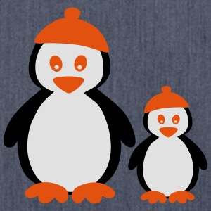 Penguins with Beanie T-shirts - Axelväska av återvinningsmaterial