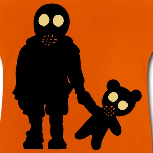 eddi pooh - kleiner Junge mit Teddy & Gasmaske / little boy with teddy and gas mask  (p, 2c) Kinder T-Shirts - Baby T-Shirt