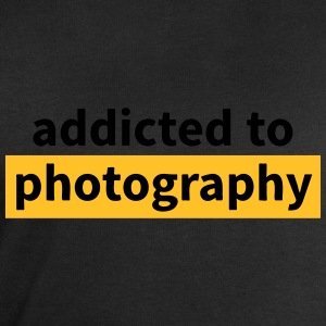 addicted to photography T-Shirts - Men's Sweatshirt by Stanley & Stella