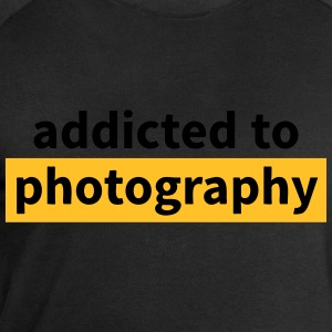 addicted to photography T-Shirts - Männer Sweatshirt von Stanley & Stella